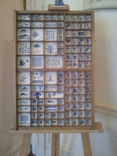 This is a vintage letter press frame. It would be pretty cool to reprise an old MULTI WINDOW PHOTO FRAME  http://www.atelierdejojo.com/article-casier-d-ete-124482726.html