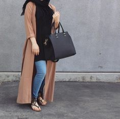 Discover recipes, home ideas, style inspiration and other ideas to try. Hijab Casual, Hijab Chic, Hijab Outfit, Casual Outfits, Fashion Outfits, Ootd Hijab, Hijab Dress, Islamic Fashion, Muslim Fashion
