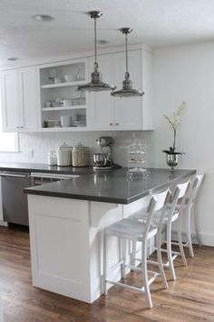 Inspiring Quartz Countertop In A White Kitchen Ideas