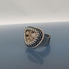 Vesellenka 16/30: beads and stone