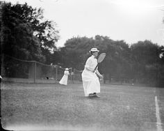 Carrie Neely (1877/78 – November 29, 1938)[1] was an American tennis player from the beginning of the 20th century.