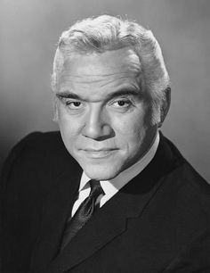 hollywood stars Today is the birthday of Lorne Greene (Lyon Himan Green, The son of Russian Jewish immigrants, Greene grew up in Ottawa and took up dramatics and radio broa Hollywood Stars, Classic Hollywood, Old Hollywood, Famous Men, Famous Faces, Famous People, Kampfstern Galactica, Battlestar Galactica, Tv Retro
