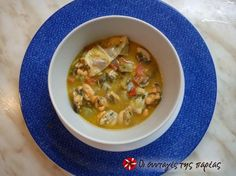 """Great recipe for Mussels in lemon """"Fisherman's Recipe"""". Extremely delicious mussels prepared in no time. Ready in 5 minutes. Recipe by ΚΟΥΛΙΑΚΑΣ Cypriot Food, Greek Cooking, Mussels, Small Plates, Greek Recipes, Cheeseburger Chowder, Seafood, Lemon, Soup"""