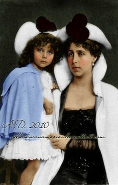 Grand Duchess Victoria Melita with her first daughter Princess Elisabeth.
