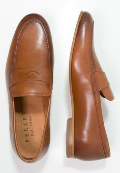 Get shoes that fit your style |  Best pieces UK online shopping |  Formal footwear style | Stylish casual shoes | Menswear outfit