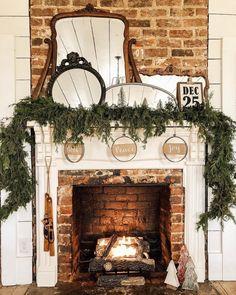 39 The Best Farmhouse Mantel Decor Ideas Best For Winter - homepiez Diy Christmas Fireplace, Christmas Mantels, Rustic Christmas, Christmas Things, Merry Christmas, Cottage Christmas, Christmas Quotes, Simple Christmas, Christmas Wreaths
