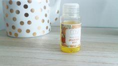 Tu as la peau grasse ou déshydratée et tu as envie d'utiliser des produit plus naturels pour lutter contre ça? L'huile de Jojoba est l'arme qu'il te faut. Dans cet article je t'explique pourquoi et comment l'utiliser dans ta routine beauté !