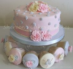 Someone asked me for a shabby chic cake and I thoroughly enjoyed making this VERY girly cake and ended up making cupcakes to match just to have a set :-) Gorgeous Cakes, Pretty Cakes, Cute Cakes, Amazing Cakes, Deco Cupcake, Cupcake Birthday Cake, Cupcake Cakes, Girly Cakes, Fancy Cakes