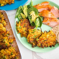 zucchini, carrot and pea fritters on a plate with salad Sweet Potato Veggie Burger, Sweet Potato And Apple, Healthy Family Dinners, Kids Meals, Vegetarian Options, Vegetarian Recipes, Pea Fritters, Banana Oat Muffins, Fussy Eaters