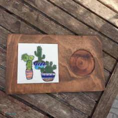Diy Bag Painting, Tile Projects, Wooden Art, Ceramic Planters, Wood Signs, Wooden Crafts, Tiles, Tiles, Painted Wood