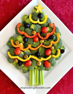 Ideas Appetizers For Party Christmas Holidays Veggie Tray Christmas Veggie Tray, Christmas Tree Food, Christmas Snacks, Xmas Food, Christmas Appetizers, Christmas Cooking, Holiday Treats, Holiday Recipes, Kids Christmas