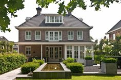 Villa en tuin zeer mooi afgewerkt - Lilly is Love Georgian Style Homes, Archi Design, Belgian Style, European House, Mansions Homes, Amazing Spaces, Big Houses, Simple House, My Dream Home