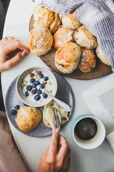Kalljäst frukostbröd – Linnéas Skafferi Recipe Of The Day, Camembert Cheese, A Food, Dairy, Lunch, Bread, Meals, Snacks, Baking