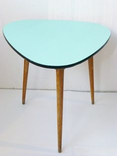 TABLE HAUTE TRIPODE PLATEAU FORMICA VERT PALE/ TURQUOIS...