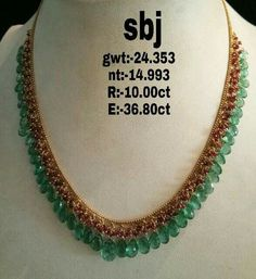 Indian Gold Jewelry Near Me Pearl Necklace Designs, Gold Earrings Designs, Gold Jewellery Design, Bead Jewellery, Saree Jewellery, Antique Necklace, India Jewelry, Latest Jewellery, Temple Jewellery
