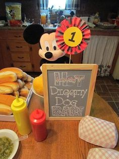 Mickey Mouse Birthday Party Idea #MickeyMouse