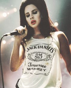 Consigue el maquillaje de Lana del Rey