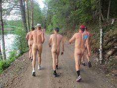 Myös ulkomaalaisten osanottajien määrä kasvaa Padasjoella vuosi vuodelta. > 10 km run naked!