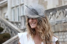Tocado Pablo y Mayaya disponible en alquiler en La Pera Limonera, Santander Winter Hats, Fashion, Budget, Weddings, Moda, La Mode, Fasion, Fashion Models, Trendy Fashion
