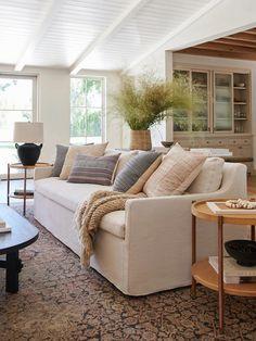Earthy Living Room, Living Room Sofa, Home Living Room, Living Room Decor, Living Spaces, Cream Sofa Living Room Color Schemes, Neutral Sofa, Amber Interiors, House Interiors