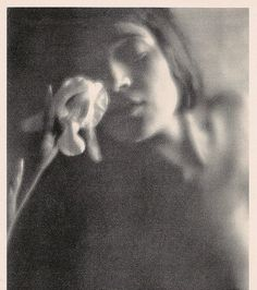 The White Iris, 1921 by Edward Weston [Tina Modotti] Modern Photography, Abstract Photography, Vintage Photography, Portrait Photography, Minimalist Photography, Color Photography, Edward Weston, Tina Modotti, Gordon Parks