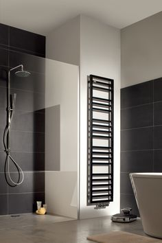 Classy and Dashing Wall Radiateur Decorating Ideas Not Easy to Fall Down - JustHomeIdeas Towel Warmer, Bathroom Toilets, Bathrooms, Home Accessories, Beautiful Homes, Spa, New Homes, Bathtub, House Design