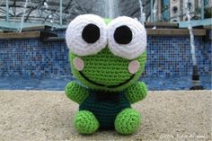 Frog Kerokeroppi free crochet pattern by Little Yarn Friends.