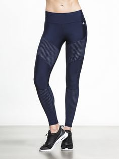 Add a pop of print to your active wardrobe with these ultra-chic leggings! The High Rise Set the Standard Legging by Running Bare features a fresh bohemian bespoke print and perforated mesh panels, providing a perfect balance of style and performance.