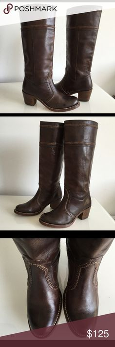 "FRYE JANE RIDING 77231 WOMEN'S BOOTS, SIZE 6 FRYE JANE RIDING 77231 WOMEN'S BOOTS, SIZE 6, ROUND TOE, PULL-ON, COLOR BROWN LEATHER, BOOTS SHAFT 14"", CIRCUMFERENCE 14"", HEIGHT HEEL 2.5"", GENTLY USED IN EXCELLENT CONDITION Frye Shoes Heeled Boots"