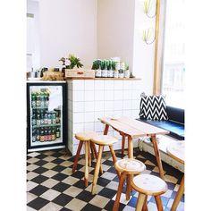 Ein weiteres Fika-Foodie-Himmelreich in Malmö: die @ugglakaffebar am St. Knuts Torg. Hier bekommt ihr meistens Kaffe von…