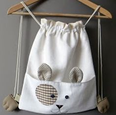 Drawstring bag inspiration for a kitty bag - more photos @ linked page :) Bag Sewing, Sewing Crafts, Sewing Projects, String Bag, Fabric Bags, Kids Bags, Cute Bags, Sewing For Kids, Handmade Bags