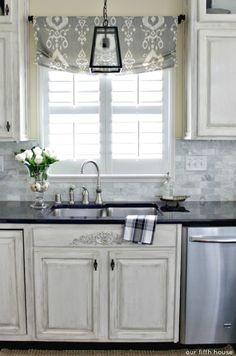 Bathroom Window Coverings, Kitchen Window Valances, Kitchen Sink Window, Valance Window Treatments, Kitchen Window Treatments, Kitchen Curtains, Diy Kitchen, Kitchen Decor, Window Blinds