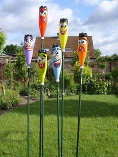 Plastic Bottle Crafts, Recycle Plastic Bottles, Plastic Bottle Planter, Upcycled Crafts, Recycled Art, Garden Crafts, Garden Projects, Diy Garden, Garden Ideas