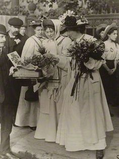The Pankhurst women Women In History, British History, Women Suffragette, Women Right To Vote, Suffrage Movement, History Of Quilting, Belle Epoch, Brave Women, Vows