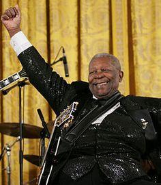 Riley Ben King ook wel bekent als B.B King. Hij is bluesgitarist en singer-songwriter. In 2006 ontving B.B King de hoogste burgeronderscheiding, de Presidential Medal Of Freedom.