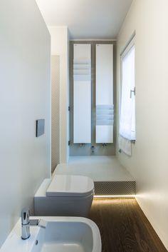 Bathroom. Apartment renovation in Milan by +R / www.piuerre.com / photo by Alberto Canepa / www.albertocanepa.com / #apartment #renovation #interior #bathroom #mosaic #tiles #appiani #dama #shower #bathtub #chaise longue #ledlighting #antoniolupi #antrax #flaps