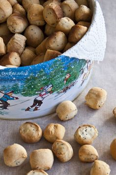 Lithuanian Christmas Eve biscuits / Kūčiukai - Recipe is in English at the bottom of the page. :)
