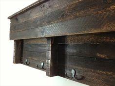Pallet Shelf Coat Hanger | Pallet Furniture Plans