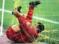 Can We Say Goal - Funny soccer pictures goalie tangled in net Soccer Jokes, Football Memes, Sports Memes, Football Soccer, Funny Soccer Quotes, Soccer Goalie, Funny Sports, Funny Quotes, Soccer Girl Probs