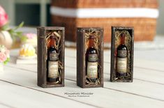 Miniature Dollhouse Wine Gift Box by Minicler on Etsy Birthday Gifts For Boyfriend, Best Birthday Gifts, Boyfriend Gifts, Diy Projects For Men, Diy For Men, Unusual Photo Gifts, Miniature Bottles, Miniature Food, Wine Gift Boxes
