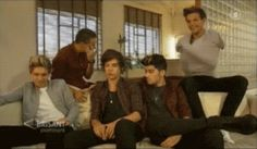 (GIF) seems legit. Louis being...Louis, Liam being Liam and the rest of the boys actually doing the interview and Liam is just cute