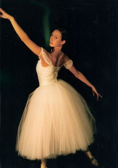 "Ballet Shoes On My Feet, Tutu Around My Waist: How to make a ""Romantic"" Tutu"