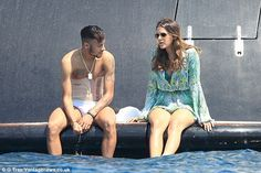 Its that Neymar? Corset is: The forward relaxes with his girlfriend Bruna Marquezine in Ib...