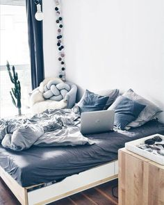 Home decor blue - Home decor Blue Room Decor, Blue Bedroom, Bedroom Bed, Cosy Bedroom, Bed Rooms, Master Bedrooms, Tumblr Bedroom, Room Ideas Bedroom, Deco Design