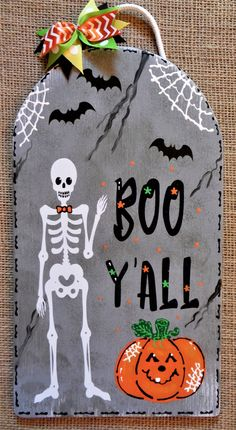 Kids games If you are looking for a last-minute homemade gift idea for your kids, or their school fr Halloween Wood Crafts, Halloween Tombstones, Halloween Signs, Fall Crafts, Halloween Crafts, Halloween Decorations, Halloween Ideas, Halloween Wreaths, Homemade Halloween