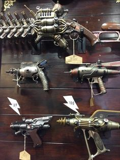 Ray guns / Steampunk / SDCC 2014