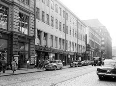 Aleksanterinkatu 48:n vanha rakennus on tässä kuvattu vuonna 1953.