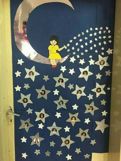 Spring Crafts for Kids / Preschoolers & Toddlers to make this season of new beginnings Space Classroom, Classroom Door, Classroom Design, Preschool Classroom, Preschool Activities, Door Displays, School Displays, Classroom Displays, Decoration Creche