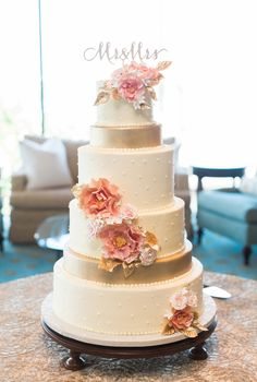 White and Gold Wedding Cake | Keepsake Memories Photography https://www.theknot.com/marketplace/keepsake-memories-photography-jacksonville-nc-890314 | Imaginary Cakes https://www.theknot.com/marketplace/imaginary-cakes-wilmington-nc-346388