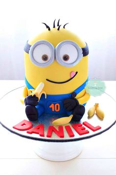 Creative Despicable Me Minion Birthday Cake Ideas - Sassy Dealz